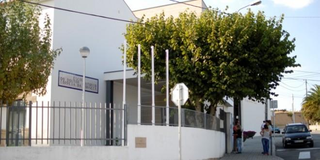 """Encarregados de educação do Centro Escolar de Nogueira do Cravo indignados com alegado """"incumprimento da lei"""""""