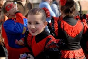 Cerca de 1500 mini-heróis invadiram e alegraram Oliveira do Hospital no maior desfile de Carnaval de sempre da cidade
